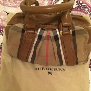 ✨ NEW ✨ Sm Burberry Ashbury -Dark Tan